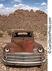 oud, geroeste, uit, auto, in, de, woestijn
