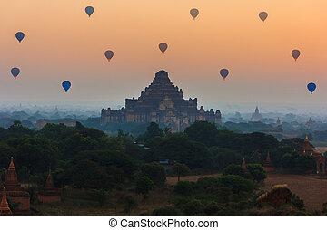 oud, groep, myanmar, hoogte, bagan, bagan, zonopkomst, pagodas, ballons