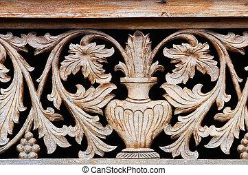 oud, houten, snijwerk, met, kom, en, bloemen