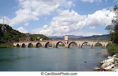 oud, ottoman, steenbrug, op, rivier, drina