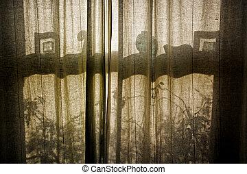 Gordijnen, venster, silhouette. Gordijnen, silhouette, zien ...