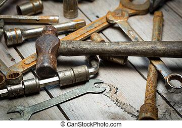 oud, roestige , gereedschap