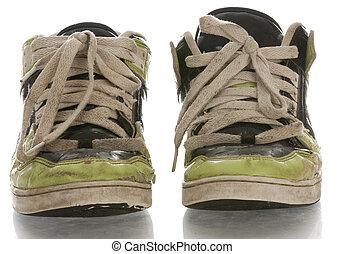 oud, schoentjes, versleten, rennende , achtergrond, wit uit,...