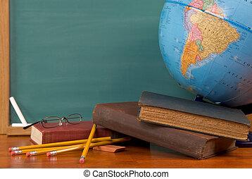 oud, school boekt, op, een, bureau