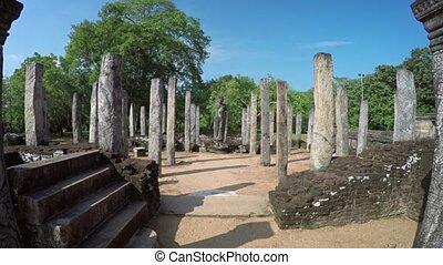 oud standbeeld, onder, graniet, kolommen, in, polonnaruwa, gebouw, ruïne