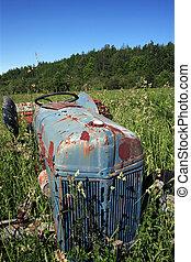oud, tractor, in, een, akker