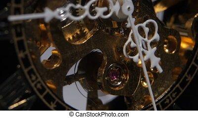 oud, werkende , klok, op, mechanism., afsluiten