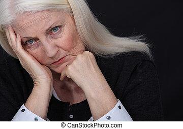 oude dame, verdrietige