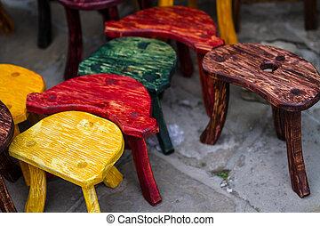 oude mode, gekleurde, stoelen, op, markt
