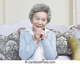 oude vrouw, aziaat