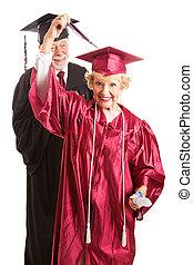 oude vrouw, op, haar, bevordering plechtigheid