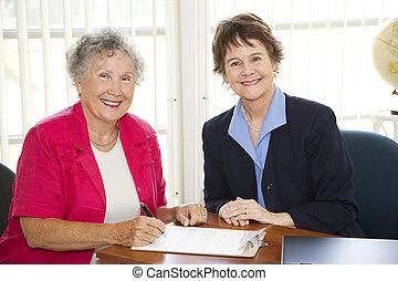 oude vrouw, schrijfwerk, ondertekening