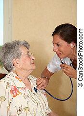 oudere persoon, met, verpleegkundige