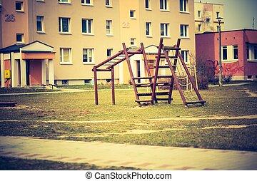 ouderwetse , foto, van, lege, schommel, op, kinderen, speelplaats