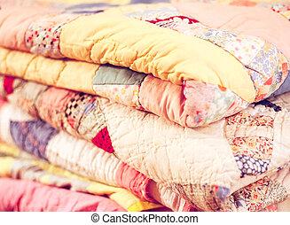 ouderwetse , quilts, stapel, kleurrijke