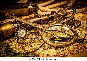 ouderwetse , vergrootglas, ligt, op, een, oud, wereldkaart