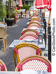 Outdoor Patio Tables and Chairs