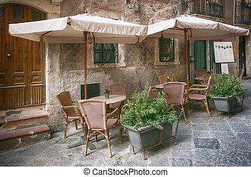 Outdoor Restaurant in the Sidewalk