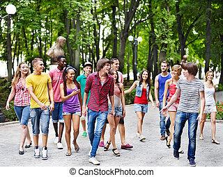 outdoors., pessoas, grupo