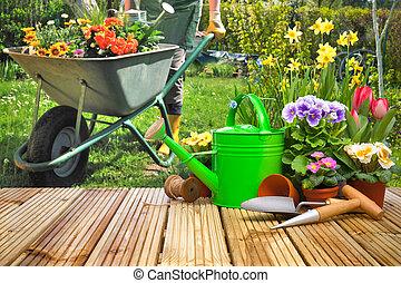 Outils, fleurs, jardinage, terrasse