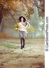 outono, andar, mulher, floresta