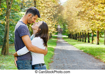 outono, andar, parque, par, jovem