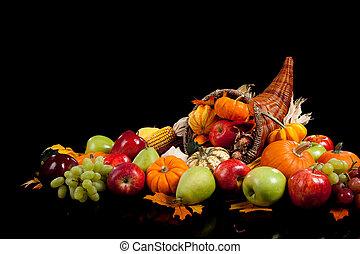 outono, arranjo, de, frutas legumes, em, um, cornucópia