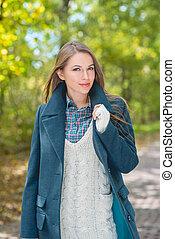 outono, mulher, ao ar livre, atraente, na moda