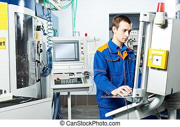ouvrier, à, machine-outil, dans, atelier