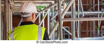 ouvrier bâtiment, site, construction, vue postérieure