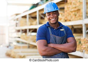 ouvrier, bras croisés, africaine, entrepôt, mâle