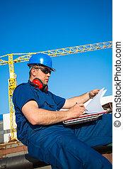 ouvrier chantier naval