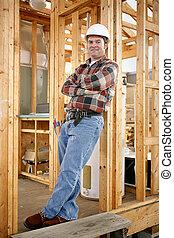 ouvrier construction, désinvolte