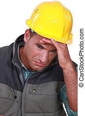 ouvrier construction, pleurer