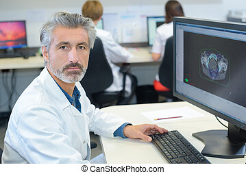 ouvrier, imaging, healthcare