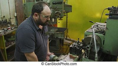 ouvrier, machinerie, mâle, opération, établi, séance, usine...