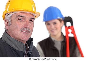 ouvrier, manuel, jeune, femme, aide
