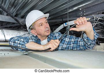 ouvrier, plafond, deux âges, fonctionnement, homme
