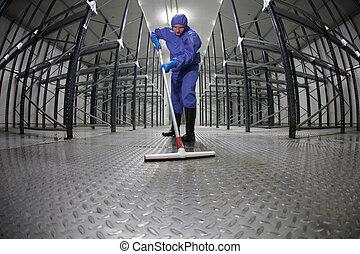 ouvrier, plancher, -, nettoyage, entrepôt