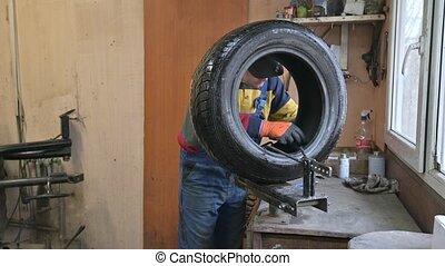 ouvrier, voiture, pneu, garage, solutions, crevaison, technicien