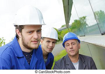 ouvriers, construction, trois
