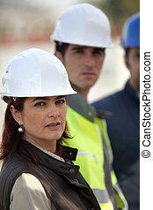 ouvriers, construction, trois, site