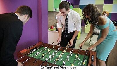 ouvriers, jouer, bureau, kicker