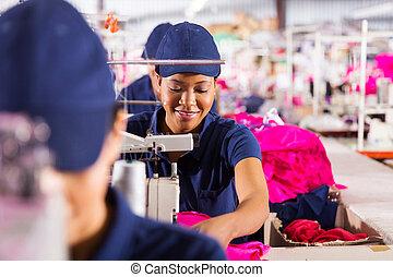 ouvriers textile, ligne production, usine