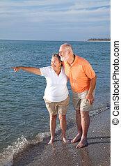 ouwetjes, sightseeing, aan het strand