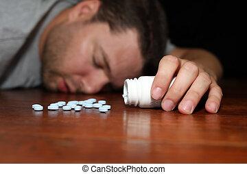 overdosed, aparecer, píldoras, tener, hombre