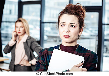 overemotional, mówiąc, po, szef, ścisły, czuły, sekretarka