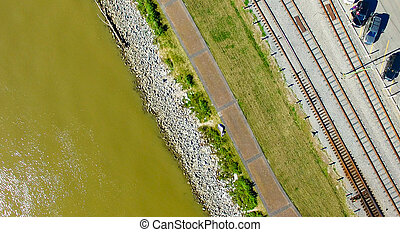 Overhead view of New Orleans riverwalk along Mississippi