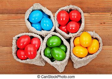 ovos páscoa, em, burlap, sacolas