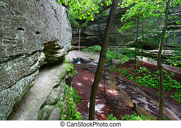 Owl Canyon - Starved Rock State Park - Springtime scene at ...